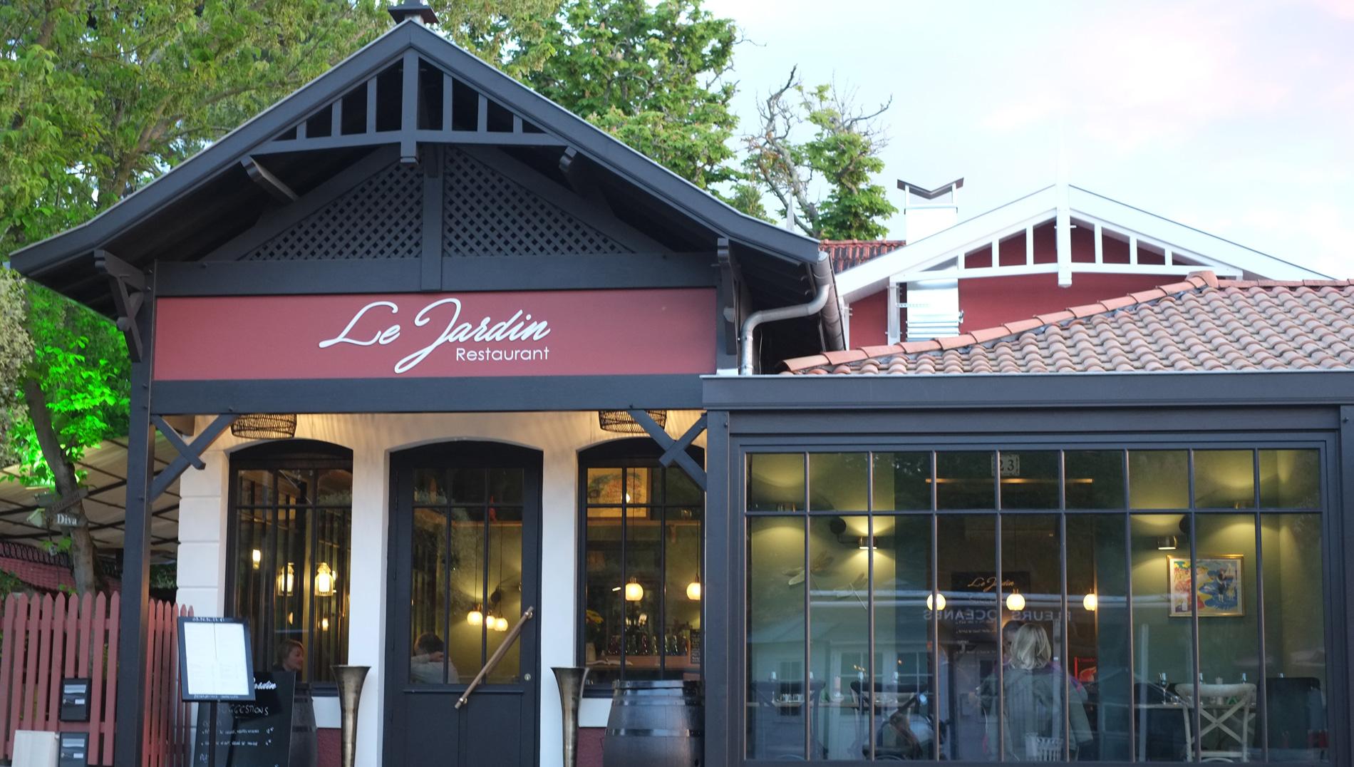 Restaurant Du Monde Pres Du Bassin D Arcachon 33 Zig Le Jardin